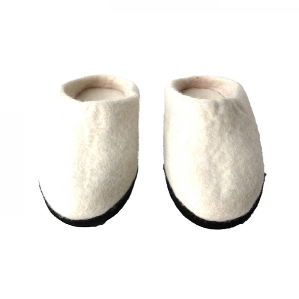 Slippers w-leather sole White